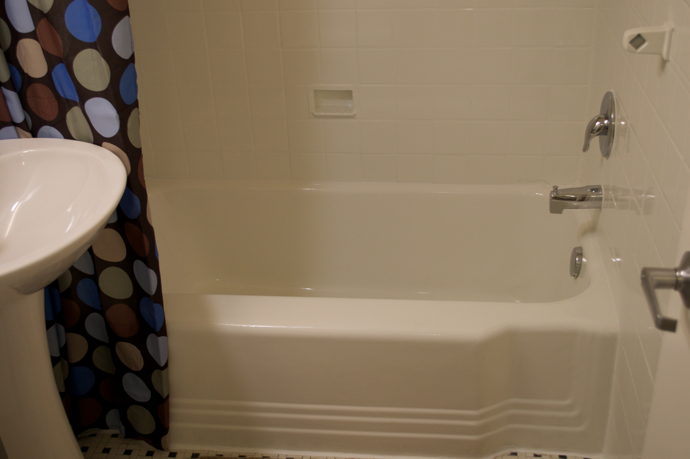 November 2013 – CUSTOM TUB AND TILE RESURFACING